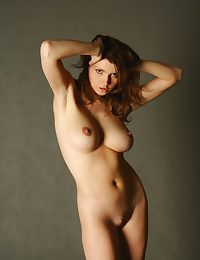 X-rated Looker - Naturally Comely Amateur Nudes